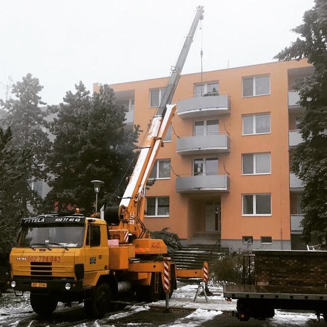 nove ocelove balkony